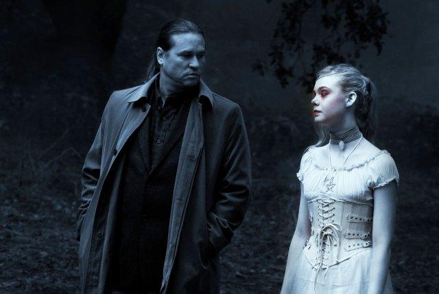 Val Kilmer et Elle Fanning dans Twixt de Francis Ford Coppola