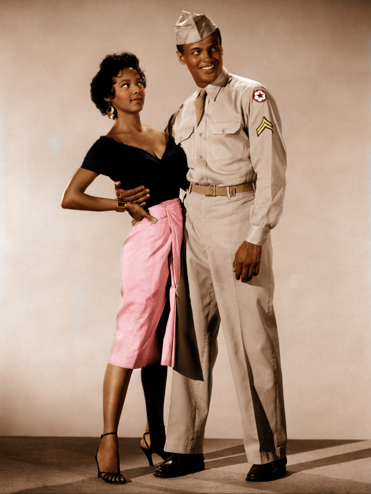 http://olivierpere.files.wordpress.com/2012/08/dorothy-dandridge-et-harry-belafonte-posant-pour-carmen-jones.jpg?w=1200